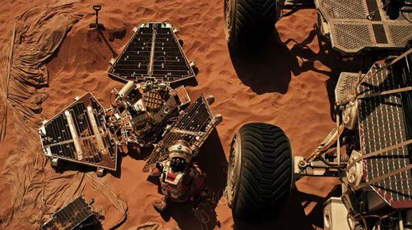 1440081438_The-Martian-0-600x335