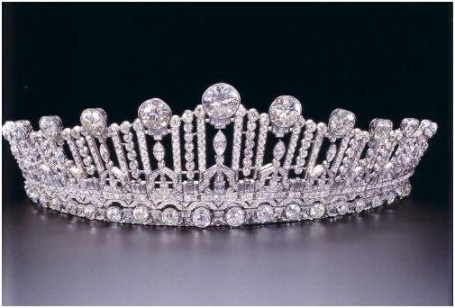 thepersephonepapers.com  Art Deco Tiara. Princess Sibilla of Luxembourg.