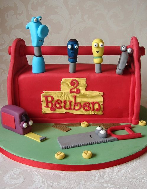 17 best images about handy manny cakes on pinterest dean for Handy manny decorations