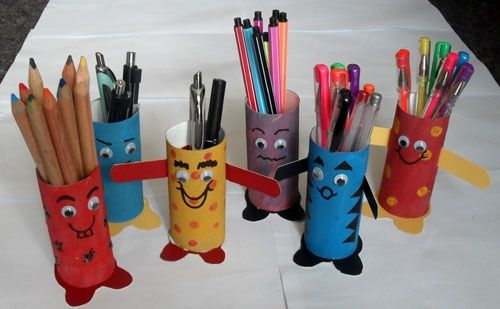 penpals holders from recyled t paper rolls