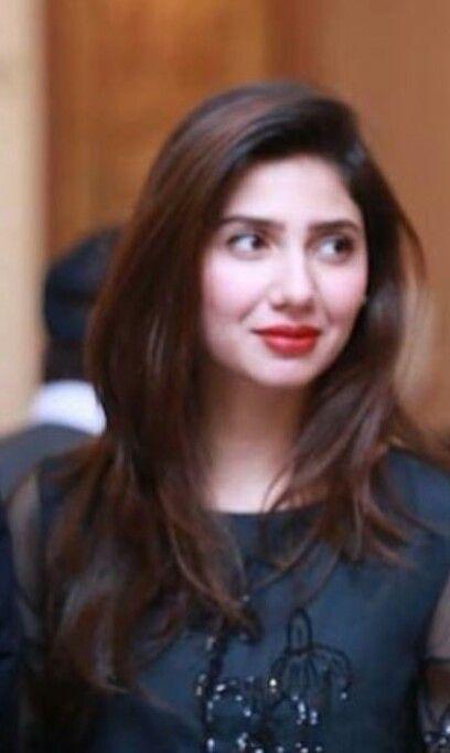 Beautiful #Pakistani #Actress #MAHIRA #KHAN #BLACKDRESS