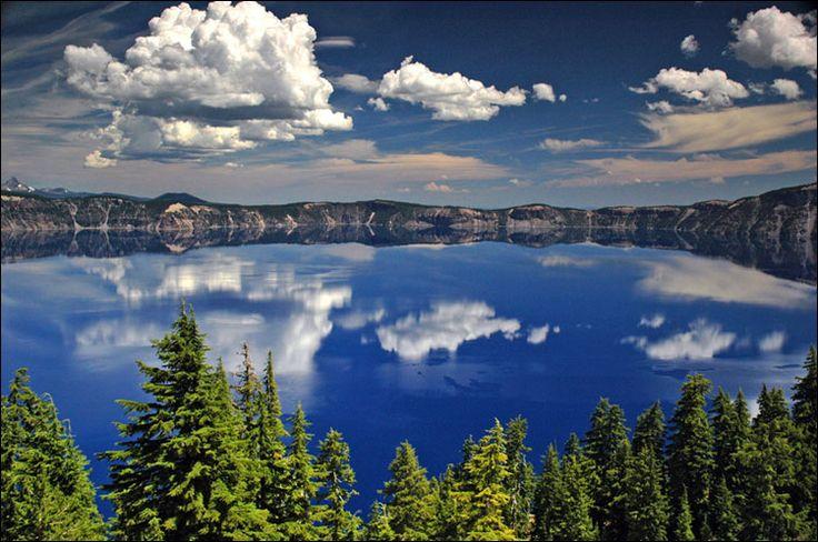 Кратерное озеро. Штат Орегон.