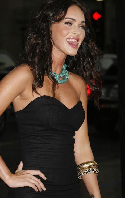 MEMORYWEBSITE: What is Megan Fox thinking? Umí se na foto pěkně k...