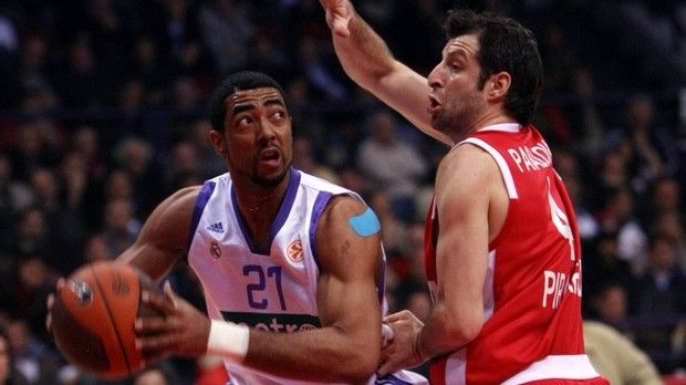 In the list of Panathinaikos for the position of power forward Jeremiah Massey is