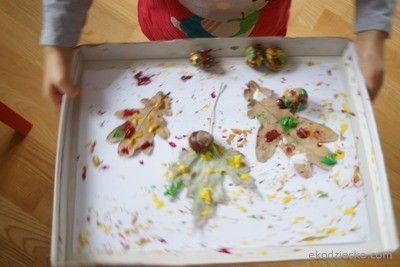 Toczące się kasztany, naturalne liście- jesienna praca plastyczna dla dzieci Pending chestnuts, natural leaves - autumn plastic work for children