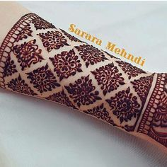 """1,695 Likes, 5 Comments - Bride's Essentials (@bridesessentials) on Instagram: """"Perfect I say! Beautiful mehndi by @sararamehndi Use #bridesessentials to get featured in our page.…"""""""