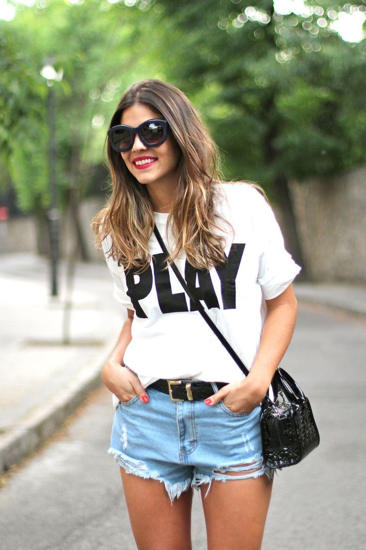 graphic tee  Ponemos lo que tu quieras en una camiseta o sudadera. También la puedes traer tu y te la personalizamos.  camisetas douglas C/García Paredes, 32. MADRID http:www/camisetasfelices.com