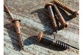 If you are prone to pitching rusty nails and screws, you probably have always thought you were doing the safe, responsible thing. After all, they represent a potential hazard and are useless, right? Wrong. Most rusty screws are actually still entirely serviceable, if you remove the rust, of course. This can be done using an entirely green cleaning...
