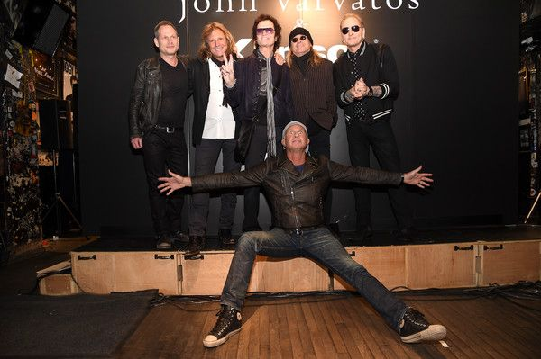 Robin Zander Photos - Seth Frank, Rob Affuso, Glen Hughes, Robin Zander, Chad Smith and Matt Sorum attend an intimate inductee conversation hosted By John Varvatos, presented by Kliosch Audio on April 6, 2016 in New York City. - Robin Zander Photos - 120 of 250