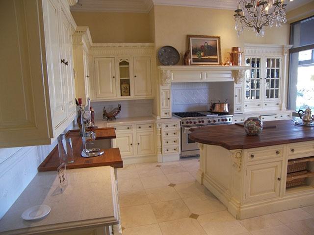 Clive christian victorian kitchen kitchen ideas for Robert clive kitchen designs