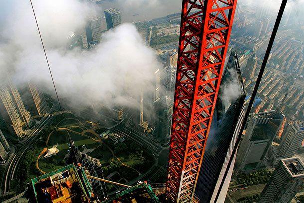 Stunning-Photographs-Of-Shanghai-Tower-By-Wei-Gensheng-9