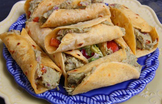 Tentações Sobre a Mesa: Tacos com Abacate e Atum