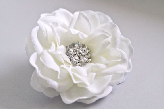 Bridal Hair Clip with Rhinestone Jewel, Wedding Fascinator, Ivory Hairpiece, Wedding Headpiece, Bridal Hair Accessory, Gardenia Hair Flower