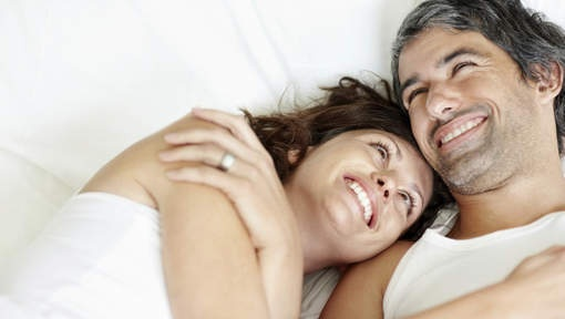 Geheim van gelukkige relatie = voldoende slapen - HLN.be