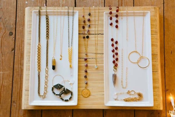 Viva_Diva_Ashley Batz-8Shops Talk, Nice Jewels, Divas Photographers, Jewelry Shoots, Viva Divas, Crowns Jewels, Jewels Necklaces, Chains Necklaces, Crafts