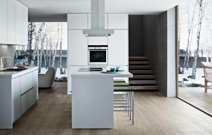 Varenna_Kitchen Alea in white laminate with aluminum edge, worktop in tuttocolore white laminate thickness 52 mm.