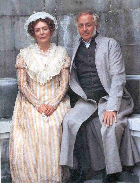 Alison Steadman (Mrs. Bennet)  Benjamin Whitrow (Mr. Bennet) - Pride and Prejudice directed by Simon Langton (TV Mini-Series, BBC, 1995) #janeausten
