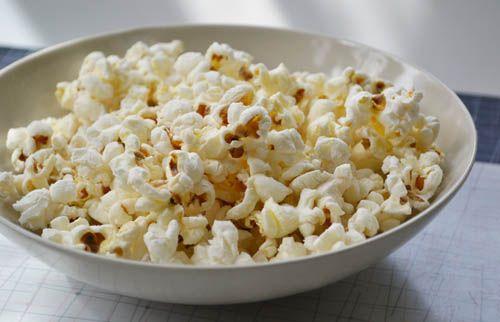 Homemade Bacon Popcorn!: Food Recipes, Bacon Grea, Fun Recipes, Homemade Bacon, Yummy Food, Bacon Recipes, Bacon Popcorn, Homemade Popcorn, Popcorn Recipes