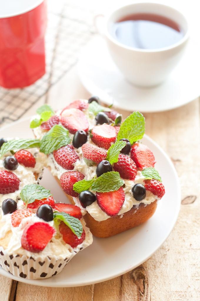 lemon berry pound cake