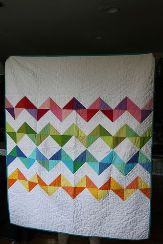 What a beautiful charm pack quilt pattern! Chevron is the perfect pattern for summer--make this charm pack quilt today!