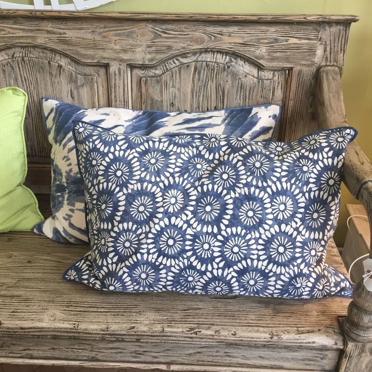 Cushions ... we love them! Lots available - or we can make them in-store, right here in Witney; from your choice of fabric 😀