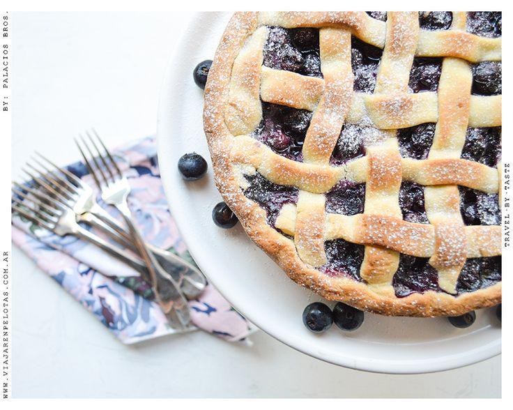 Nada como un Blueberry Pie tibiecito acompañado con una bocha de helado.. esta receta es lo más!! ojo.. pueden comerlo como quieran.. yo solo tiro ideas :) >> Receta en el Blog!