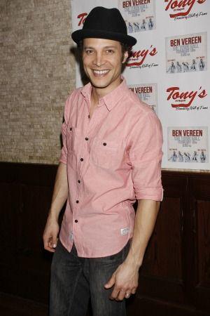 American Idol alum Justin Guarini can barely feed his kids