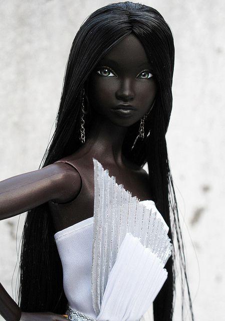 looking like a black FROZEN love it ! FEATURE: 'Black Doll Life', a web page celebrating Black dolls - AFROPUNK