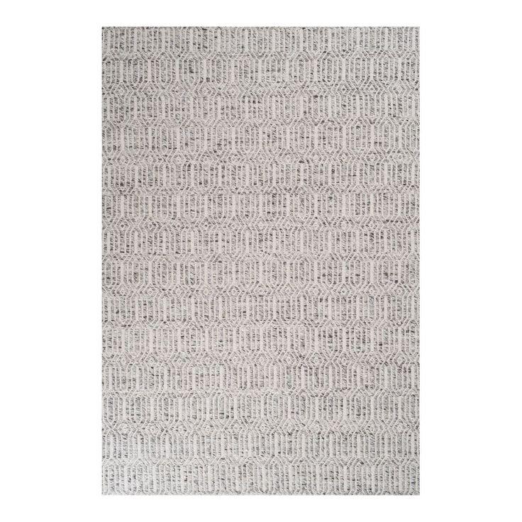 Justin, handvävd melerad matta med diskret mönster i 35% ull, 35% bomull och 30% viskos från Linie Design. Justin finns i två vackra färgställningar och har en fin lyster tack vare sin viskos.Mattunderlägg rekommenderas för att undvika färgfällning på golv. Underlägget minskar slitage på såväl matta som golv och hjälper till att hålla din matta på plats.
