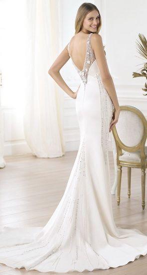 rochie mireasa cu spatele gol stil grecesc