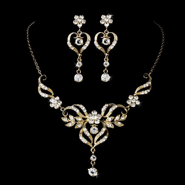 Beautiful Wedding Jewelry Set Silver Or Gold This Elegant Bridal Necklace And Earring Features