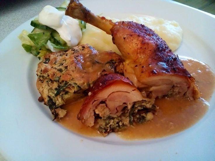 euKUCHYNĚ: Husí pečínka s nádivkou. Parádní menu. Oběd.