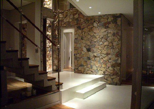 Fachada de piedras y madera fachadas de casas y casas - Casas de madera por dentro ...