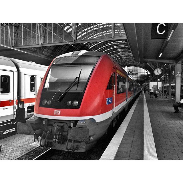 "Bavaria's ""Modus""-Waggons.   #colorsplash_of_our_world #tv_colorsplash #tgif_colorsplash #colorsplash_mx #splendid_colorsplash #loves_colorsplash #colorsplash_bu #igersbahn  #tv_transport  #rsa_theyards #iphone5s #train_nerds #rail_barons #railways_of_our_world #trains_worldwide #eisenbahnfotografie #kings_transports #splashmasters_family #coloursplash_everything #bestof_colorsplash #thebest_capture_bnw #trb_express #daily_crossing #hdr_transports #loves_vehicles  by brian430et"