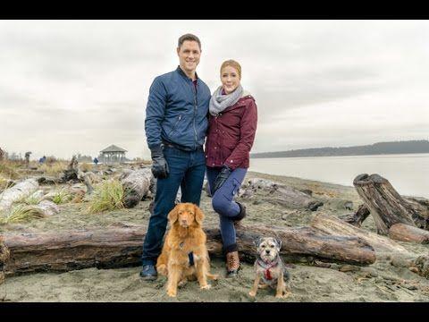 "TV Weekly Now | Jennifer Finnigan & Sam Page Star in Hallmark Channel's ""Walking the Dog"""