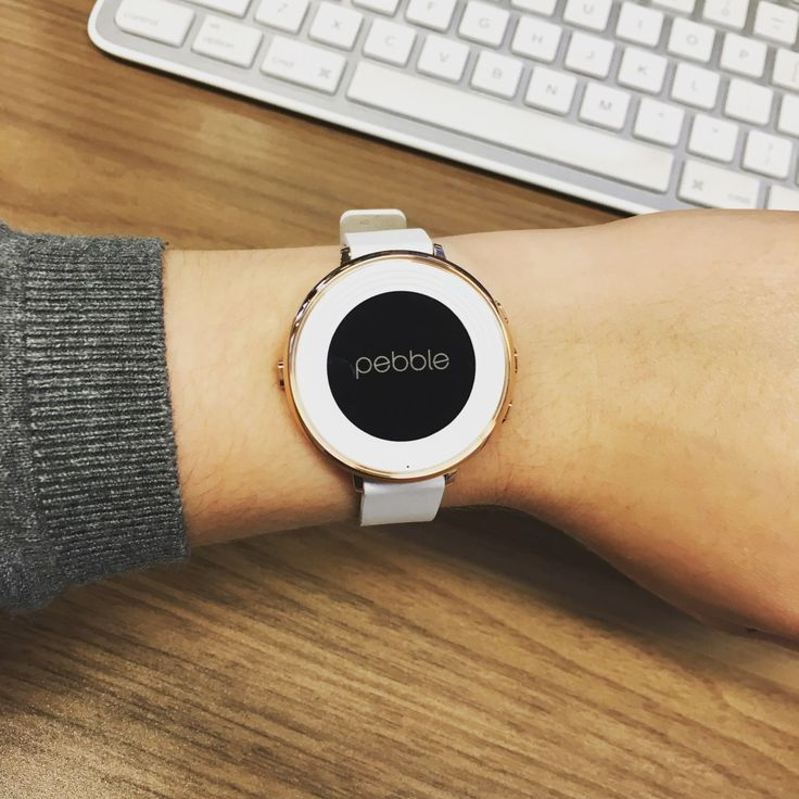 The prettiest smartwatch I ever did see! Check out why I'm obsessed with the rose gold Pebble Time Round
