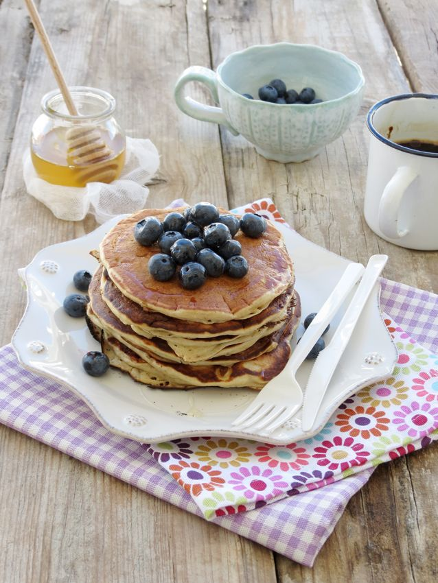 Banana & Oat Pancakes with Blueberries / Panquecas de Aveia e Banana com Mirtilos