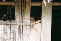 Niña indígena tikuna en la población de Puerto Nariño.
