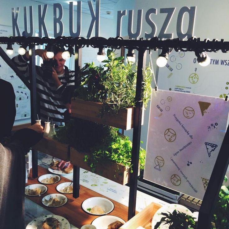 mobile kitchen by cooperativa studio
