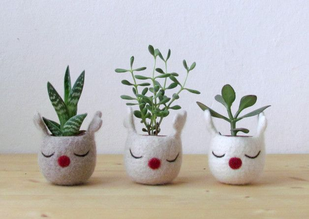 via en.dawanda.com Planters – Christmas reindeer planter / Christmas felt vase – a unique product by theyarnkitchen on DaWanda