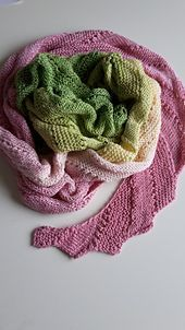 Ravelry: The Peony pattern by Dimitra Spyro , free pattern.