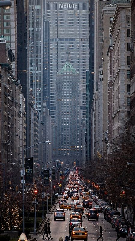 Park Avenue Looking South, NYC (by Adrian Cabrero (Mustagrapho) on Flickr)