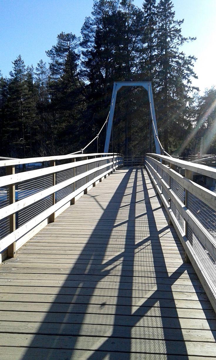 Alue koostuu pienistä saarista, joita sillat yhdistävät