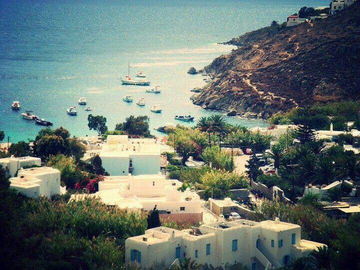 Psarou Beach, Mykonos, Cyclades - © Giorgos Taxmazidis