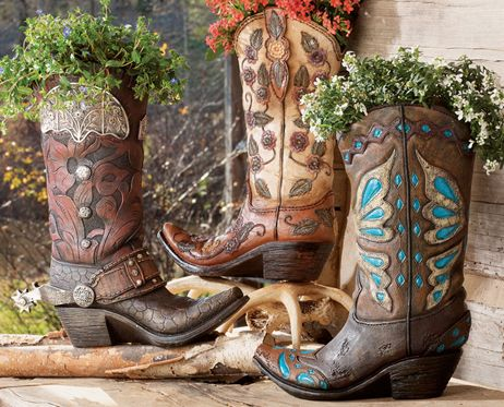 I love this site! Amazing Southwest things for the hasa... Western Decor, Western Furniture & Cowboy Decor