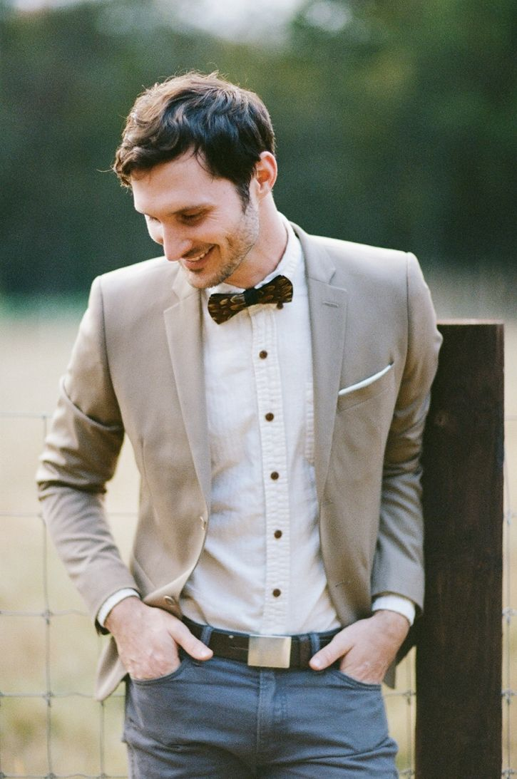 rustic, organic groom style - An Alabama Farm Wedding » Belle Lumière: Dresses Grooms, Groom Style, Grooms Style, Bows Ties, Style Menswear, Men Style, Casual Bows, Bowties And Jeans Men, Casual Dresses