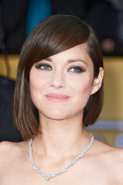 A shiny, freshly trimmed #bob on Marion Cotillard at the SAG Awards 2013 - #asymmetrical #sleek and clean: