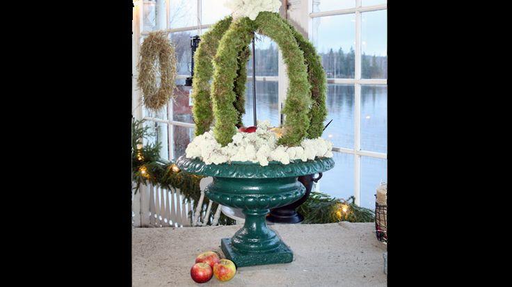 Så gör du en mosskrona i Jul med Ernst 4 december - Jul med Ernst - tv4.se