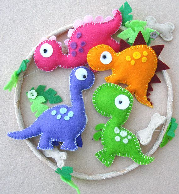 Dinosaur Felt Mobile babys mobile childrens mobile door FlossyTots