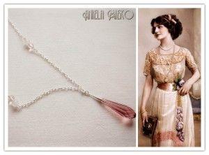 Long necklace with a Swarovski pinked crystal pendant by Aniela Mieko #pendantnecklace #swarovskipendant #swarovskinecklace #vintageinspiredjewelry #vintagejewelry #montrealjewelrydesigner #AnielaMieko #giftforher #Valentinegift #Valentinesday #cadeauStValentin #bijoux #jewel #handmadejewelry #statementjewelry #bridemaidsgift